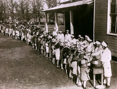 us_great_depression_soup_line_for_children